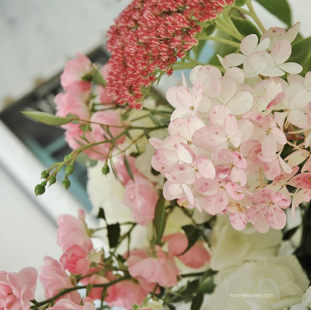 pink flowers - homelikeilike.com