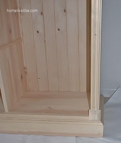 ozdabianie drewnianej biblioteczki - homelikeilike.com