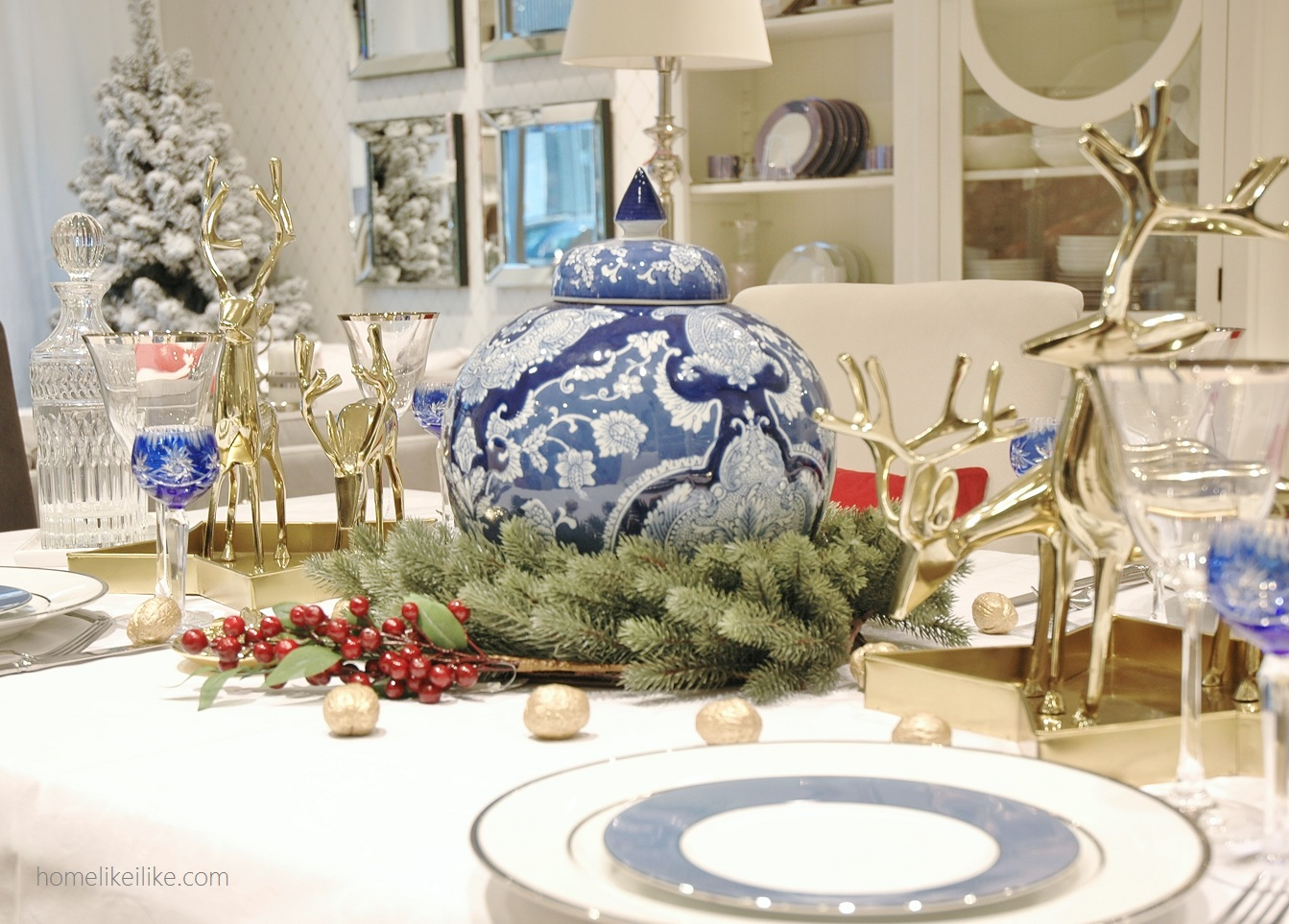 blue and white christmas - homelikeilike.com