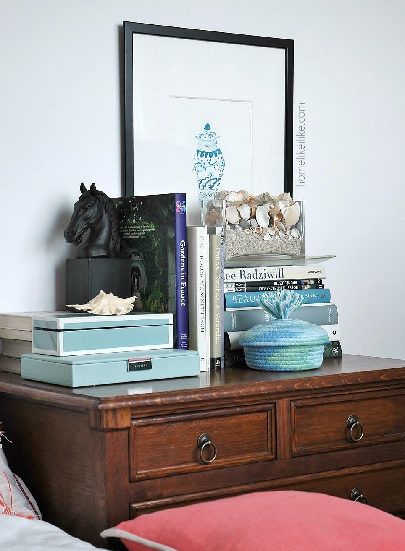 bedside table - homelikeilike.com