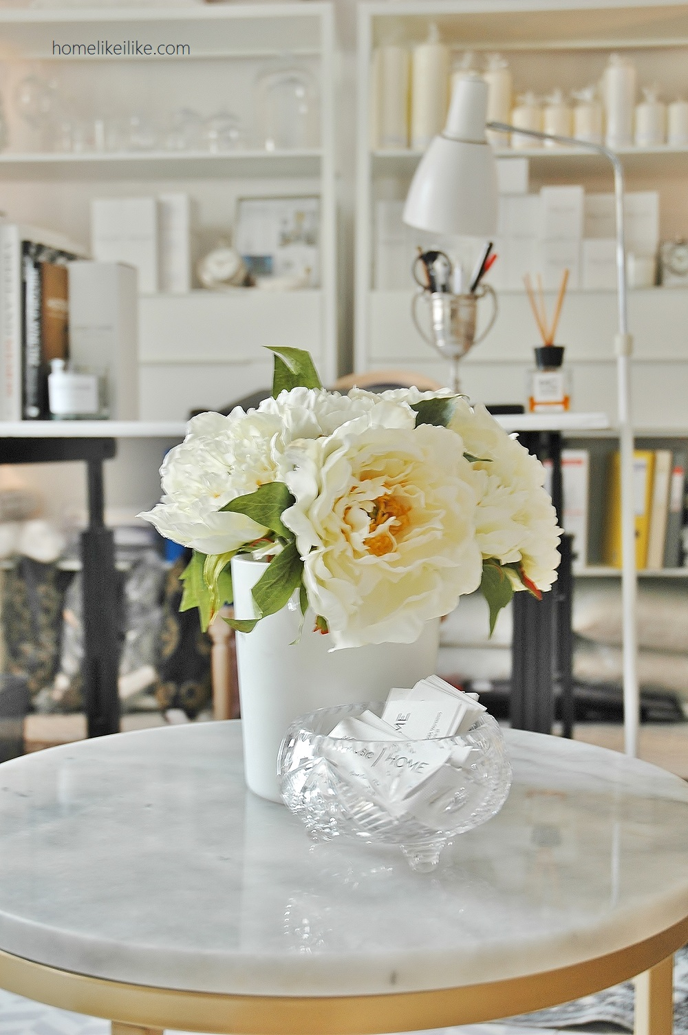 peonies and marble - homelikeilike.com
