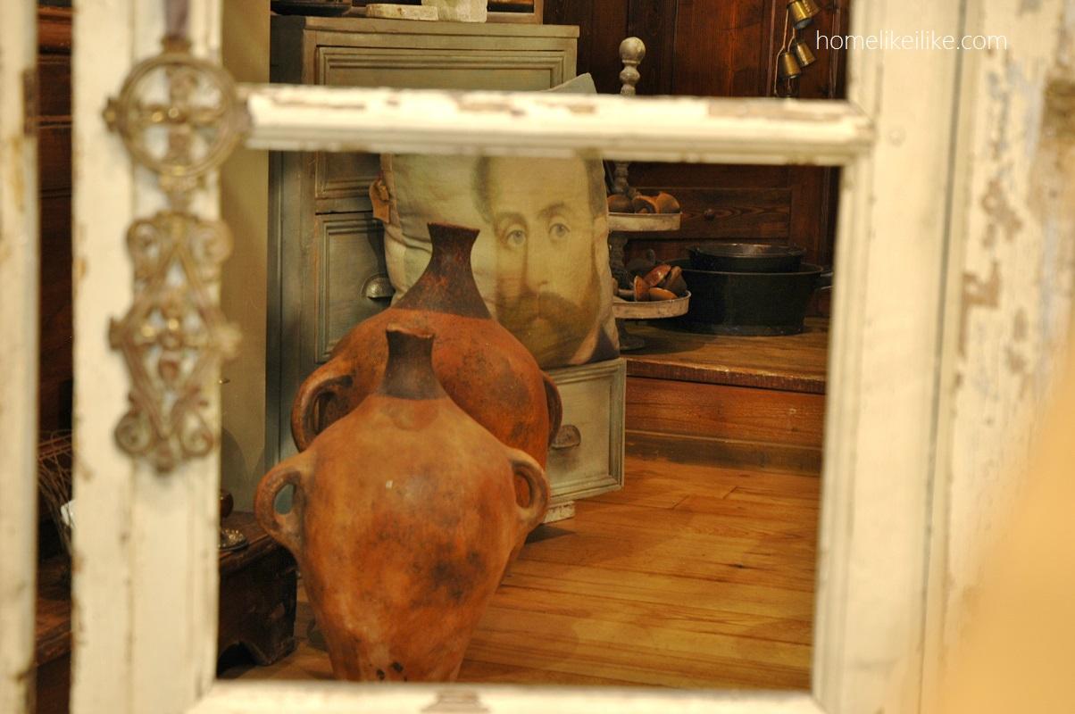 behind the door - homelikeilike.com