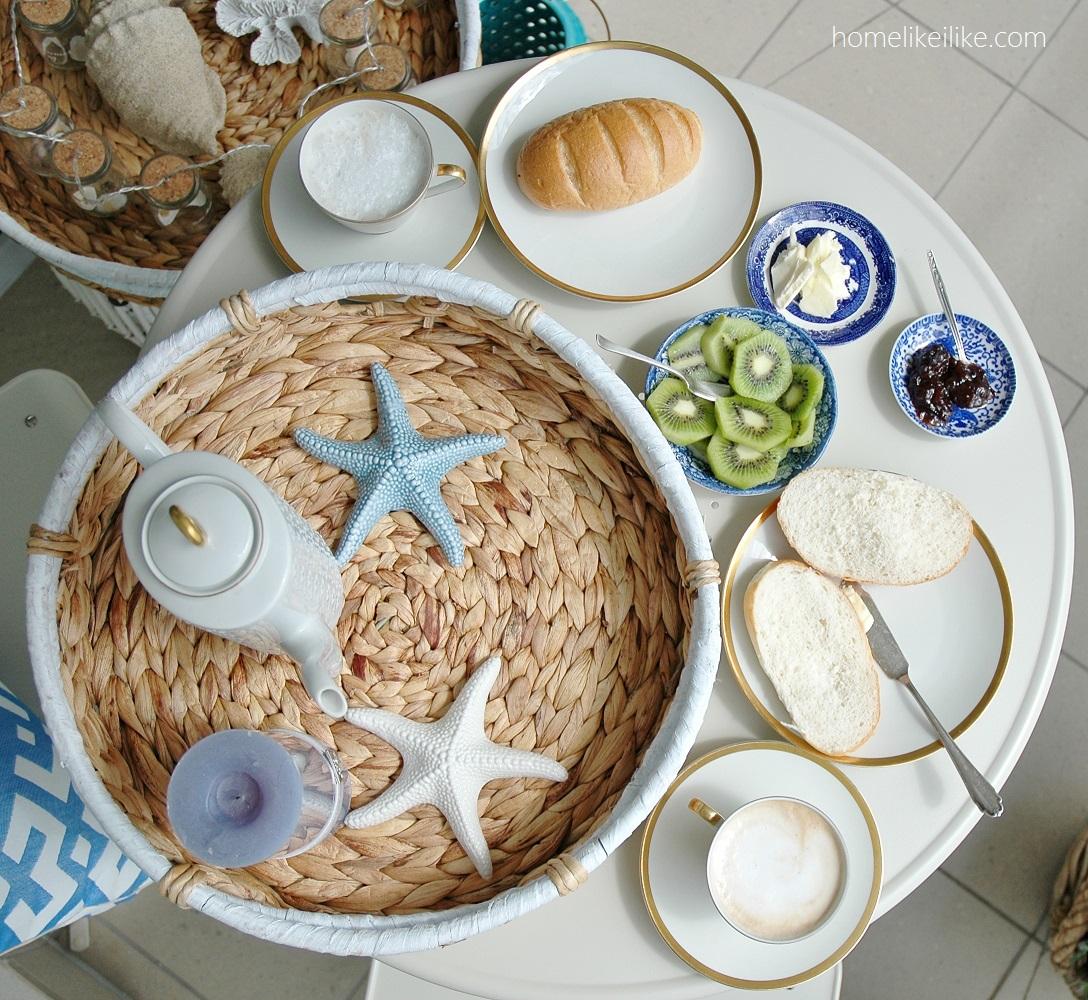 śniadanie na balkonie - homelikeilike.com