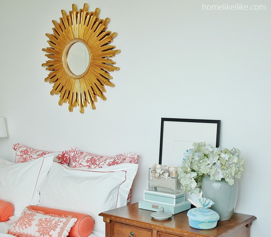 bedroom with sunburst mirror - homelikeilike.com