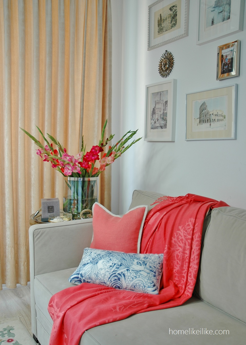 coral - living room - homelikeilike.com