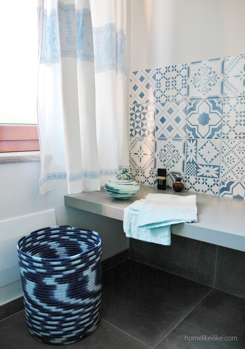 sardinian bathroom - homelikeilike.com