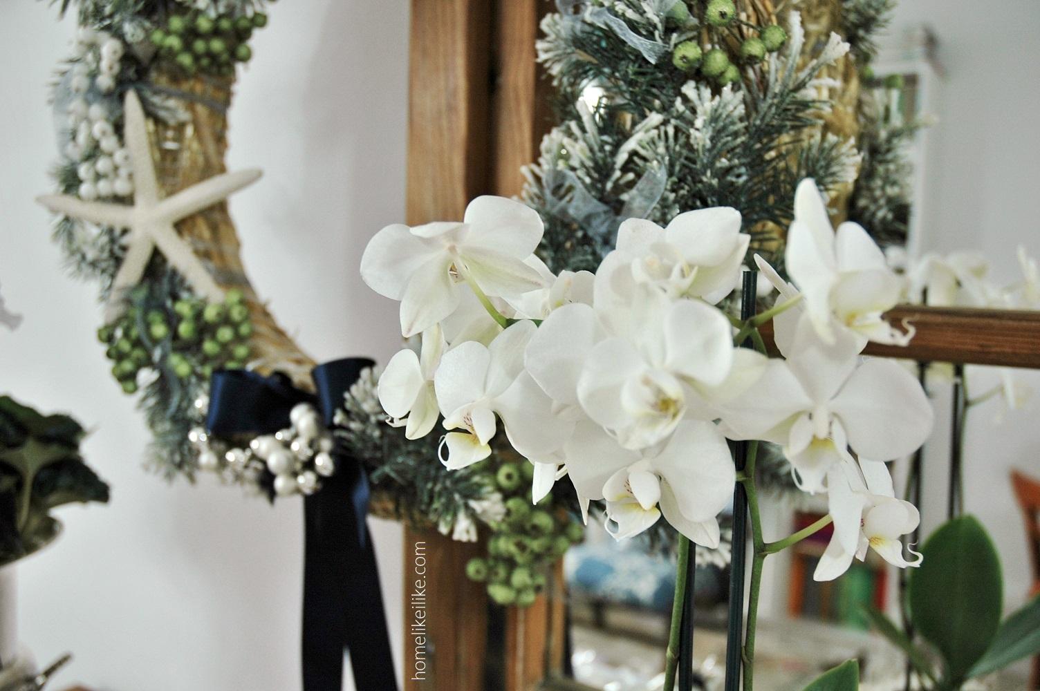 białe kwiaty świąteczne dekoracje - homelikeilike.com