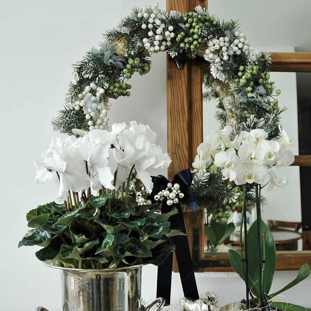 white flowers for christmas - homelikeilike.com
