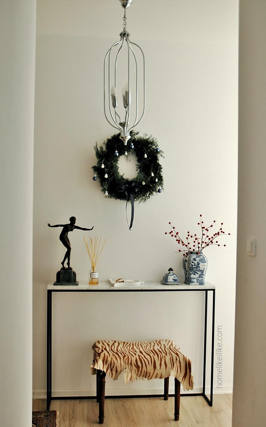 świąteczne dekoracje w przedpokoju - homelikeilike.com