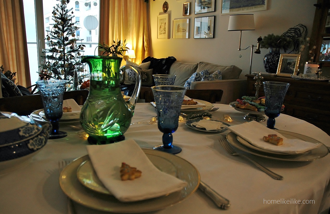christmas table - homelikeilike.com