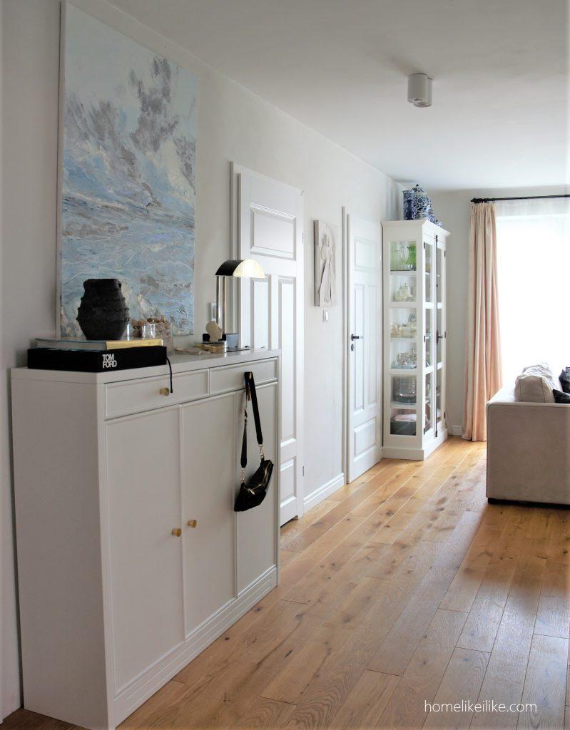 white interior - homelikeilike.com